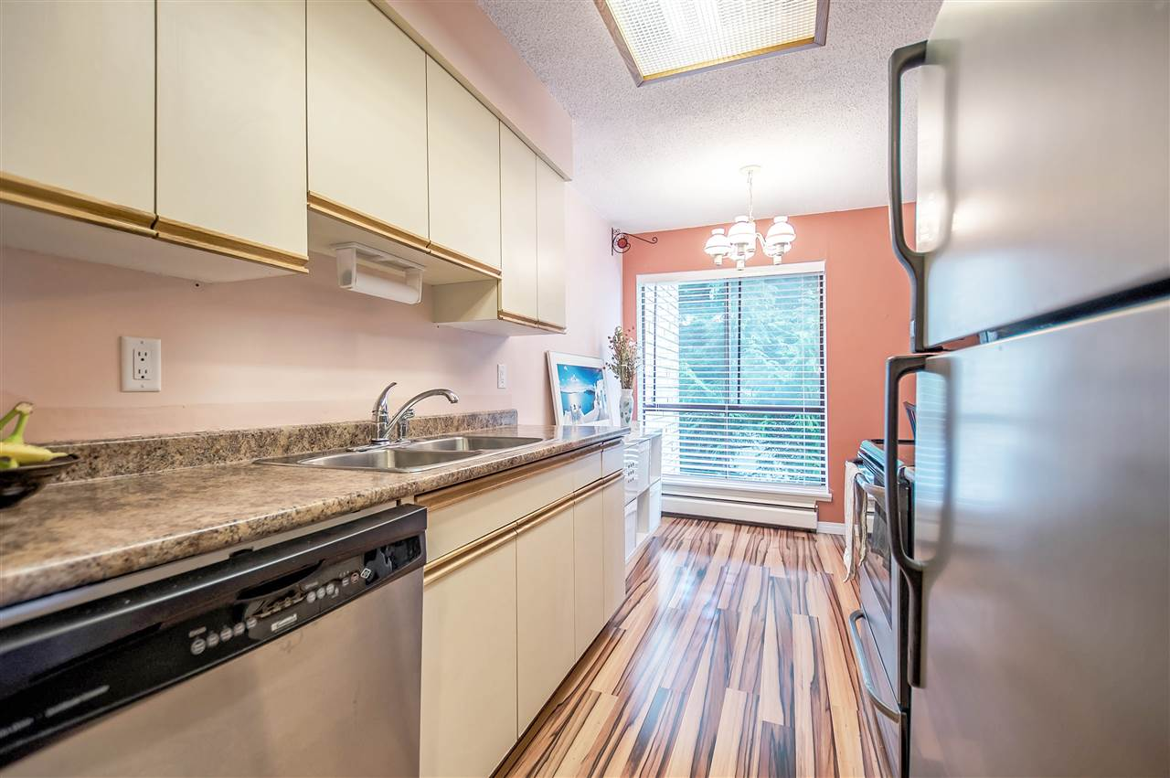 "Photo 7: 206 15265 ROPER Avenue: White Rock Condo for sale in ""Wiltshire House"" (South Surrey White Rock)  : MLS(r) # R2175802"