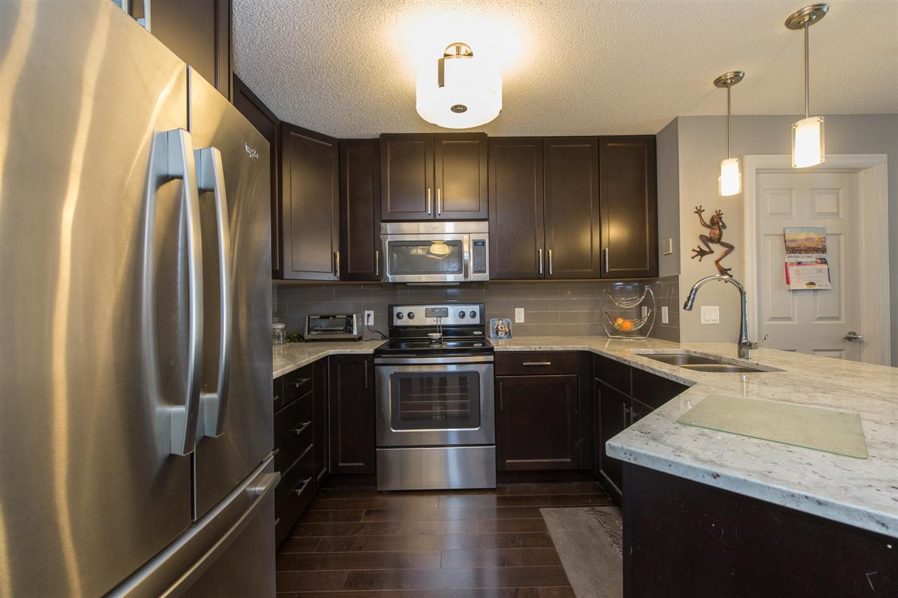 Photo 4: 104 2203 44 Avenue in Edmonton: Zone 30 Condo for sale : MLS® # E4068784