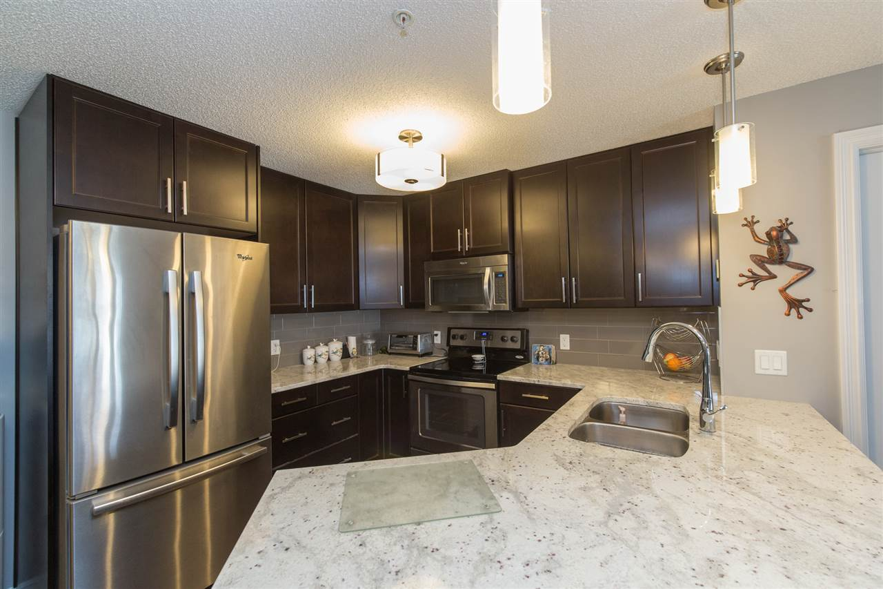 Photo 7: 104 2203 44 Avenue in Edmonton: Zone 30 Condo for sale : MLS® # E4068784