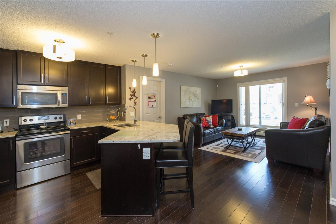 Photo 3: 104 2203 44 Avenue in Edmonton: Zone 30 Condo for sale : MLS® # E4068784