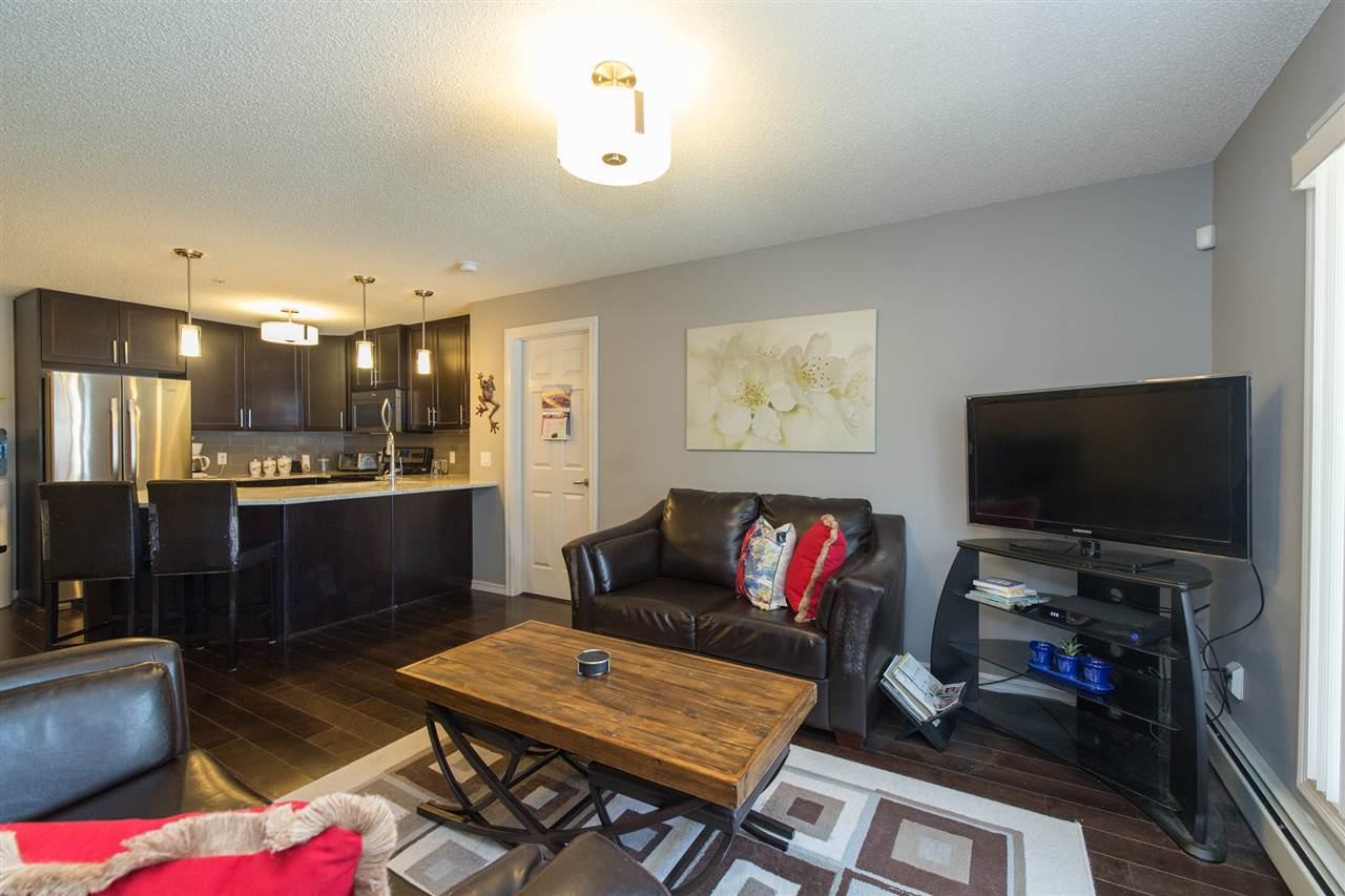 Photo 10: 104 2203 44 Avenue in Edmonton: Zone 30 Condo for sale : MLS® # E4068784