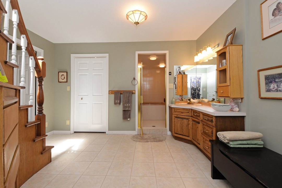 Photo 9: 17350 21A Avenue in Surrey: Pacific Douglas House for sale (South Surrey White Rock)  : MLS(r) # R2176413