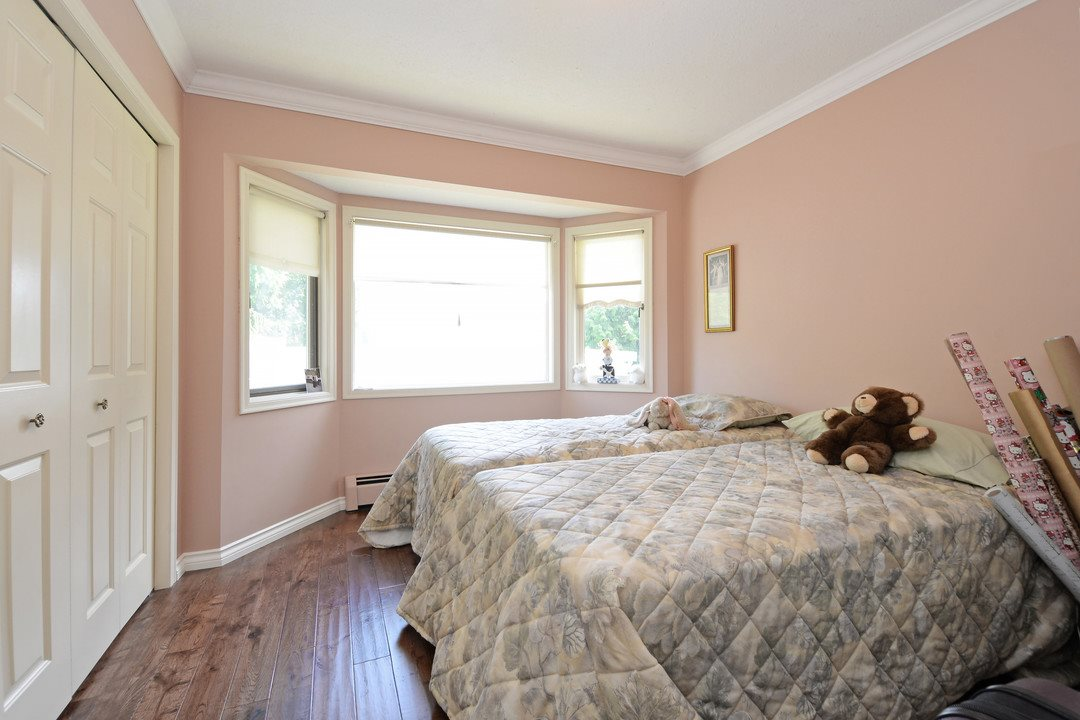Photo 12: 17350 21A Avenue in Surrey: Pacific Douglas House for sale (South Surrey White Rock)  : MLS(r) # R2176413