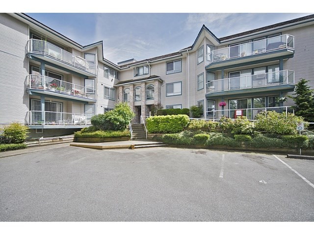 "Main Photo: 102 27358 32 Avenue in Langley: Aldergrove Langley Condo for sale in ""Willow Creek"" : MLS®# R2181656"