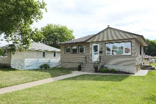 Main Photo:  in Edmonton: Zone 19 House for sale : MLS(r) # E4070960