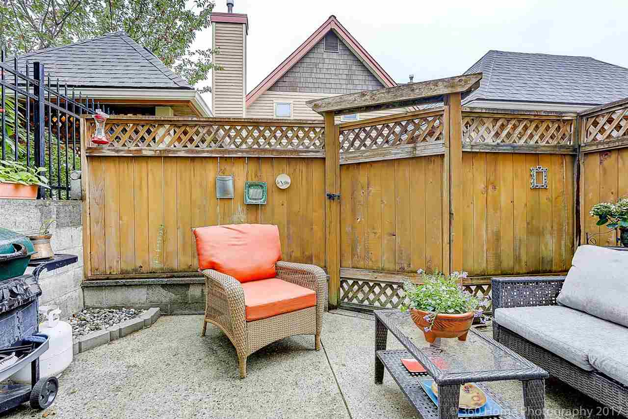 "Photo 14: 12 5400 PATTERSON Avenue in Burnaby: Central Park BS Townhouse for sale in ""PATTERSON COURT"" (Burnaby South)  : MLS® # R2204282"