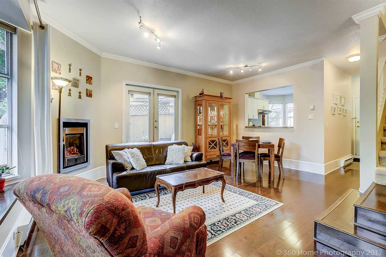 "Photo 5: 12 5400 PATTERSON Avenue in Burnaby: Central Park BS Townhouse for sale in ""PATTERSON COURT"" (Burnaby South)  : MLS® # R2204282"