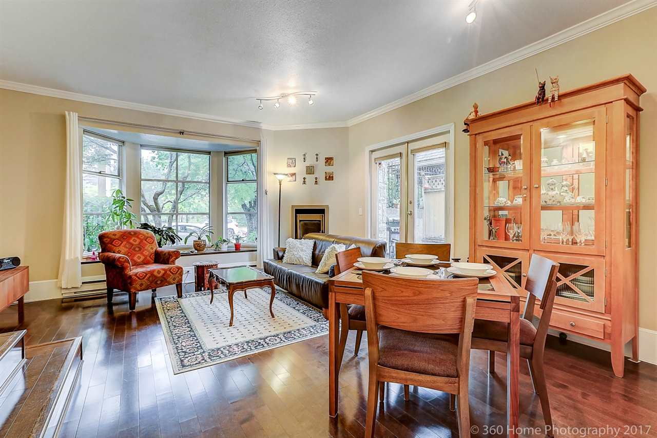 "Photo 2: 12 5400 PATTERSON Avenue in Burnaby: Central Park BS Townhouse for sale in ""PATTERSON COURT"" (Burnaby South)  : MLS® # R2204282"