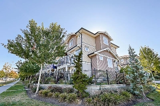 Main Photo: 4 14356 63A Avenue in Surrey: Sullivan Station Townhouse for sale : MLS® # R2205873