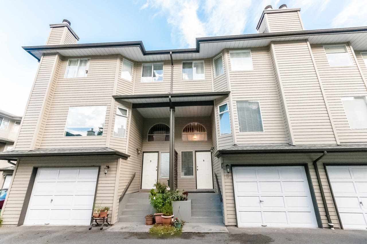 "Main Photo: 8 8751 BENNETT Road in Richmond: Brighouse South Townhouse for sale in ""BENNET COURT"" : MLS®# R2207228"