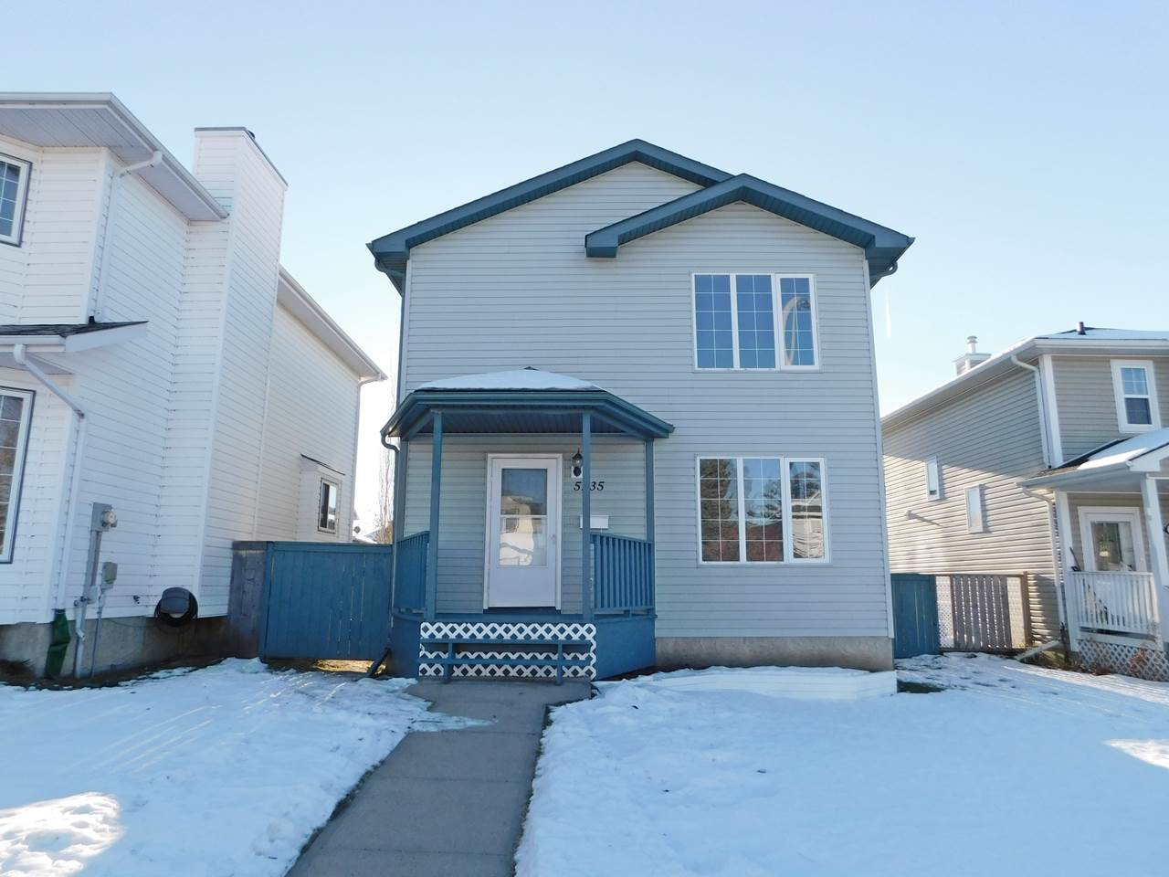 Main Photo: 5235 49 Avenue: Gibbons House for sale : MLS® # E4090454