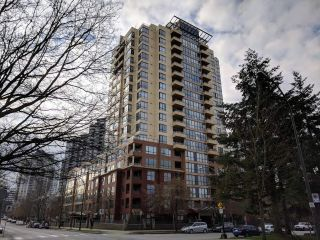 "Main Photo: 907 5288 MELBOURNE Street in Vancouver: Collingwood VE Condo for sale in ""EMERALD PARK PLACE"" (Vancouver East)  : MLS® # R2249333"