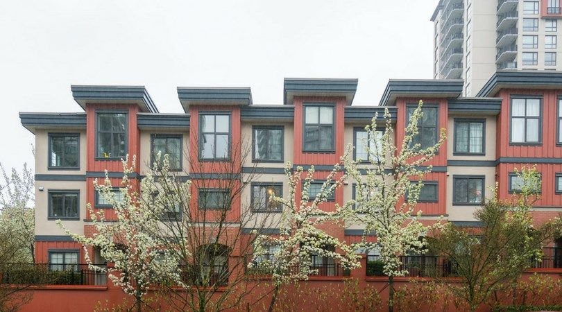 Main Photo: 829 AGNES STREET in New Westminster: Downtown NW Townhouse for sale : MLS®# R2257074