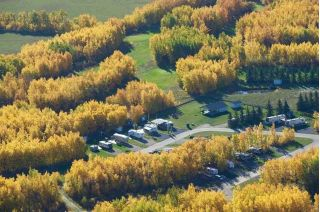 Main Photo: 12 Pigeon Lake Escapes: Rural Wetaskiwin County Manufactured Home for sale : MLS®# E4119561