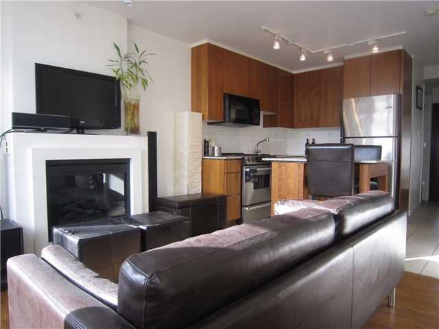 "Main Photo: 204 989 BEATTY Street in Vancouver: Downtown VW Condo for sale in ""THE NOVA"" (Vancouver West)  : MLS®# V879834"