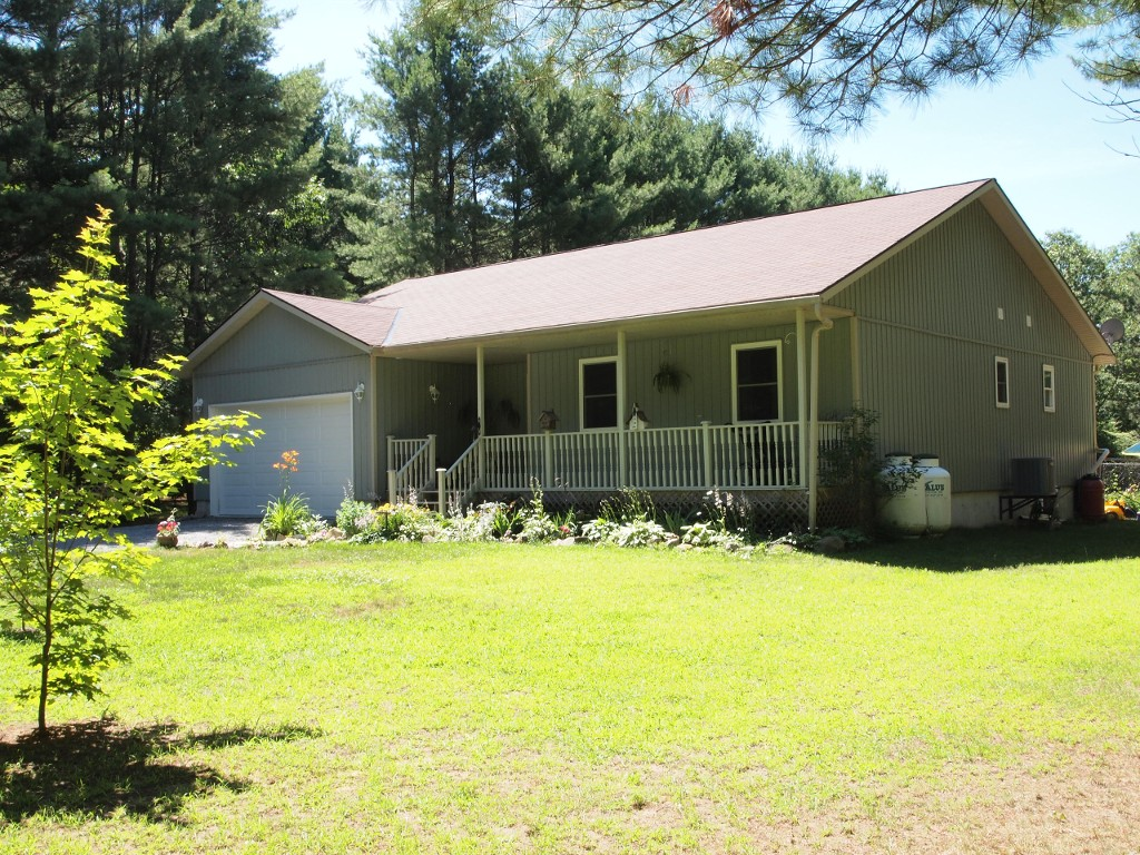 Main Photo: 53 Bolsover Road in Kawartha Lakes: Rural Eldon Freehold for sale