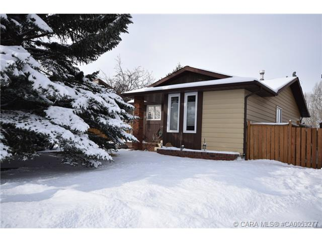 Photo 20: 28 HALIBURTON Crescent in Red Deer: RR Highland Green Residential for sale : MLS® # CA0053277