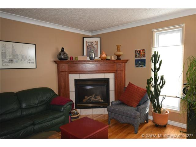 Photo 6: 28 HALIBURTON Crescent in Red Deer: RR Highland Green Residential for sale : MLS® # CA0053277