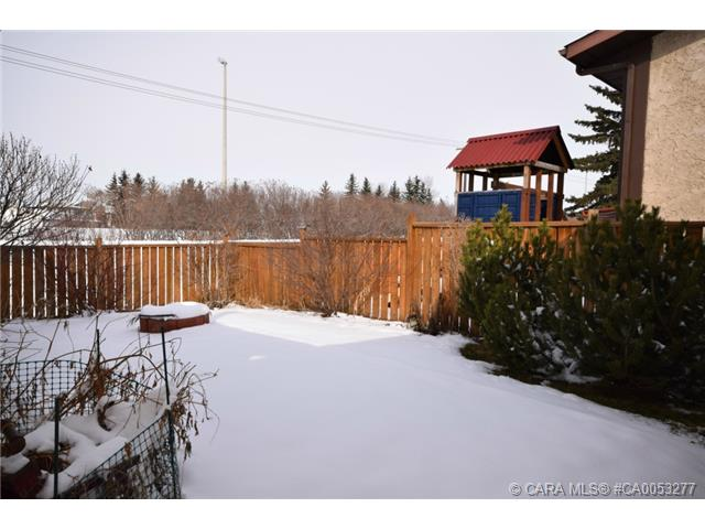 Photo 17: 28 HALIBURTON Crescent in Red Deer: RR Highland Green Residential for sale : MLS® # CA0053277