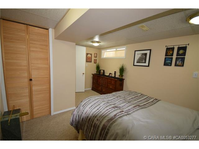 Photo 15: 28 HALIBURTON Crescent in Red Deer: RR Highland Green Residential for sale : MLS® # CA0053277