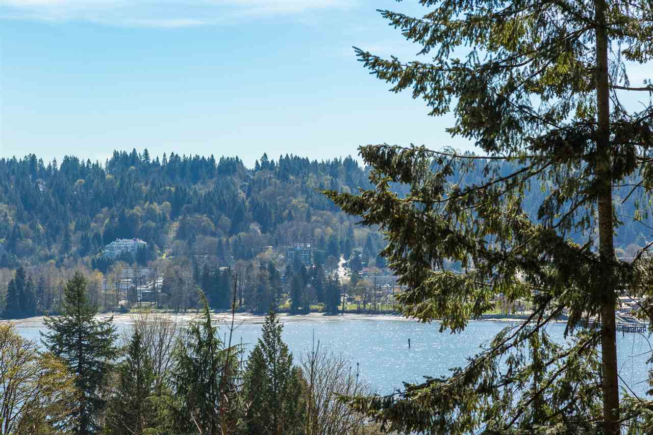 Main Photo: 653 FORESTHILL Place in Port Moody: North Shore Pt Moody House for sale : MLS® # R2053340