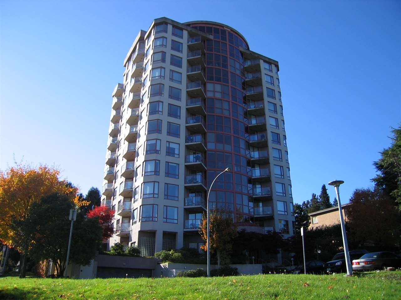 Main Photo: 301 38 LEOPOLD Place in New Westminster: Downtown NW Condo for sale : MLS®# R2053804
