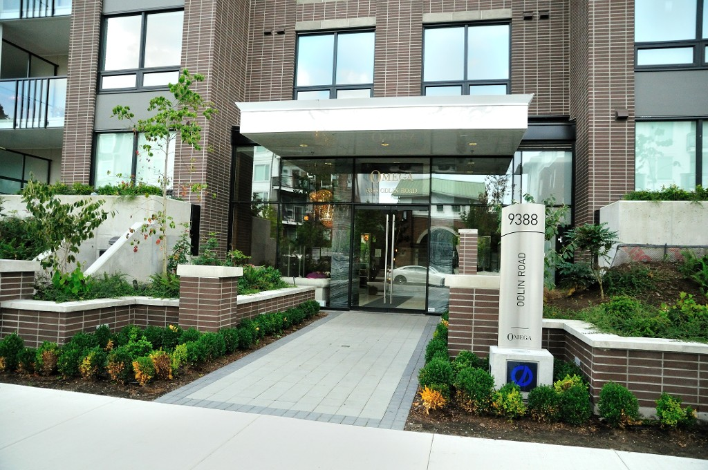 "Photo 2: 227 9388 ODLIN Road in Richmond: West Cambie Condo for sale in ""OMEGA"" : MLS(r) # R2003595"