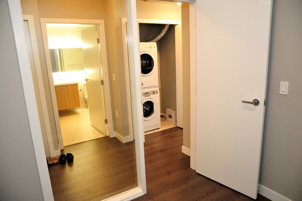 "Photo 10: 227 9388 ODLIN Road in Richmond: West Cambie Condo for sale in ""OMEGA"" : MLS(r) # R2003595"