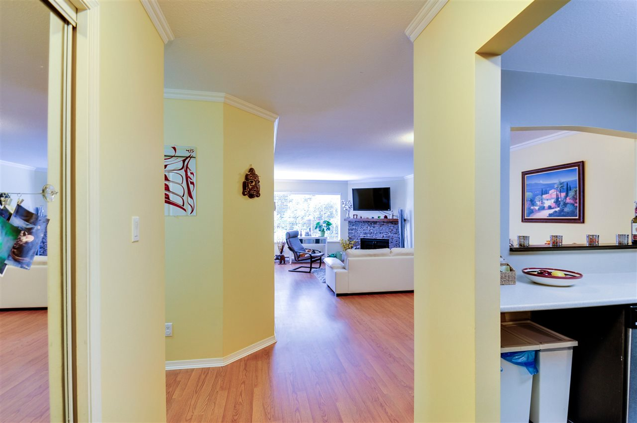 "Photo 2: 203 1225 MERKLIN Street: White Rock Condo for sale in ""Englesea II"" (South Surrey White Rock)  : MLS(r) # R2082075"