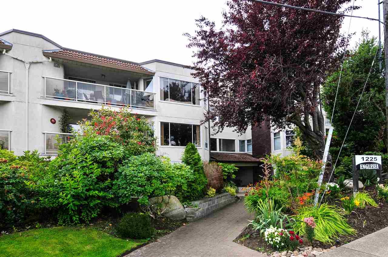 "Main Photo: 203 1225 MERKLIN Street: White Rock Condo for sale in ""Englesea II"" (South Surrey White Rock)  : MLS(r) # R2082075"