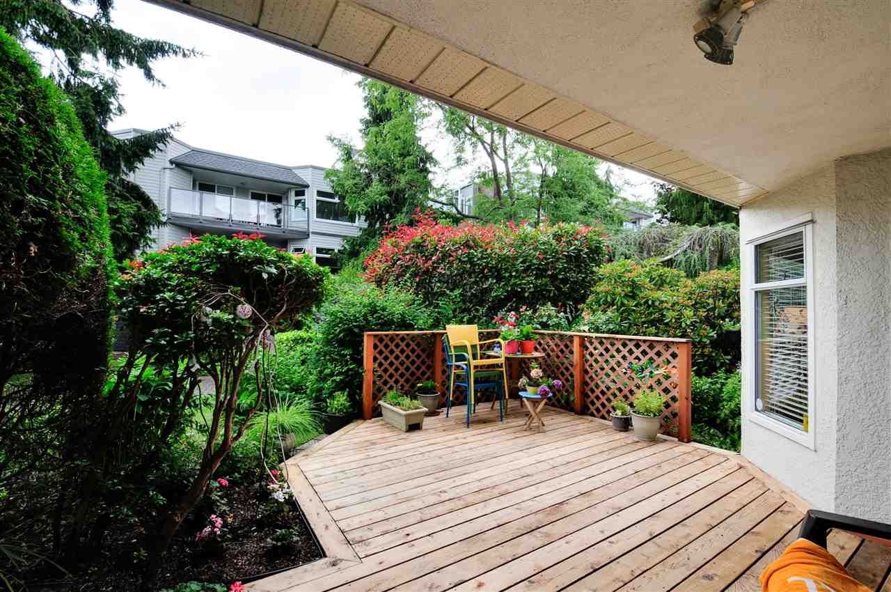 "Photo 11: 203 1225 MERKLIN Street: White Rock Condo for sale in ""Englesea II"" (South Surrey White Rock)  : MLS(r) # R2082075"