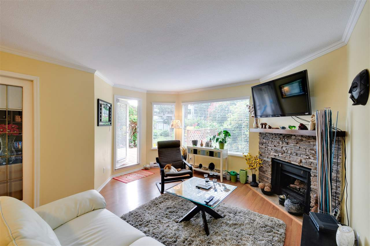 "Photo 9: 203 1225 MERKLIN Street: White Rock Condo for sale in ""Englesea II"" (South Surrey White Rock)  : MLS® # R2082075"