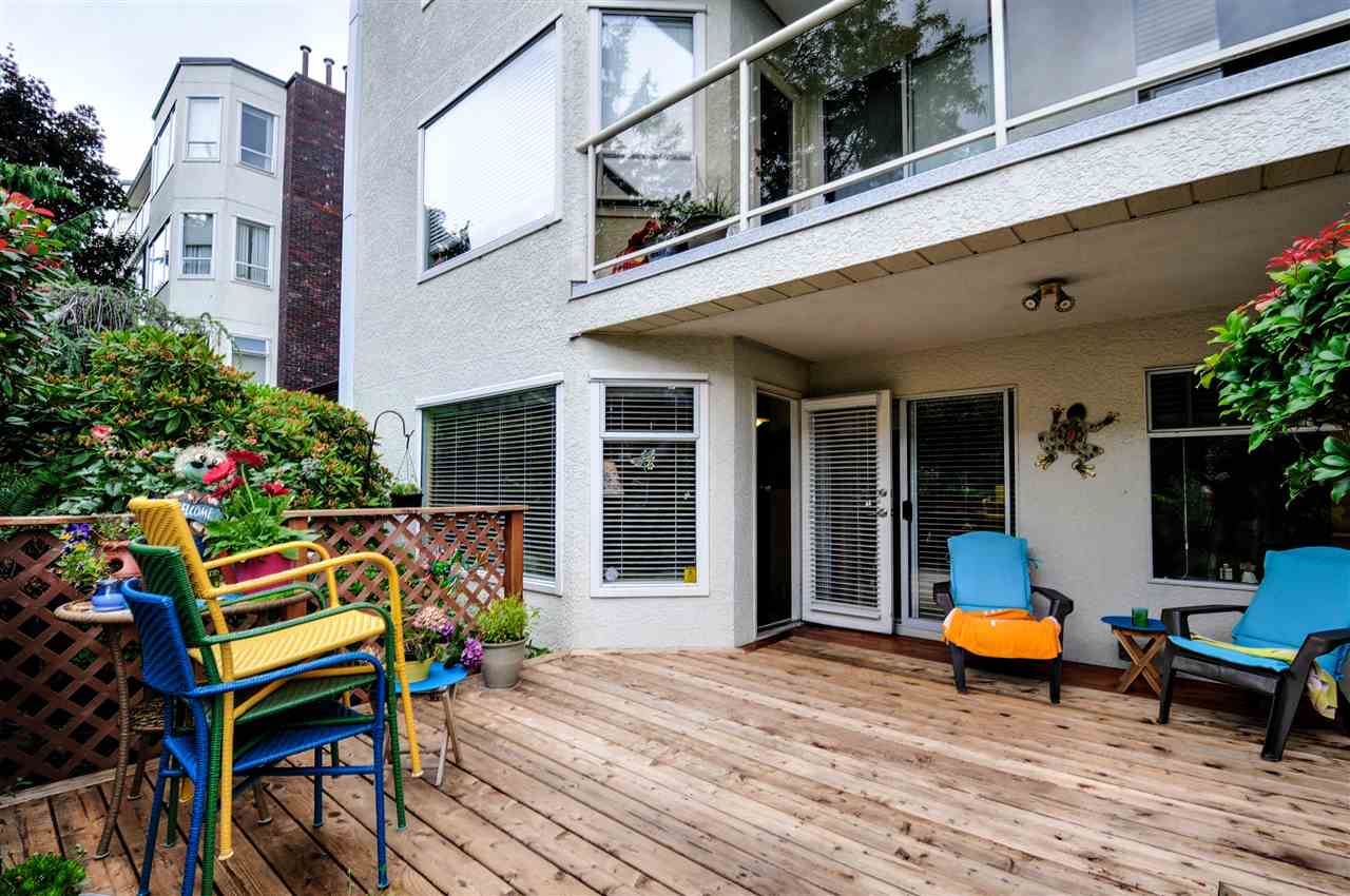 "Photo 12: 203 1225 MERKLIN Street: White Rock Condo for sale in ""Englesea II"" (South Surrey White Rock)  : MLS(r) # R2082075"