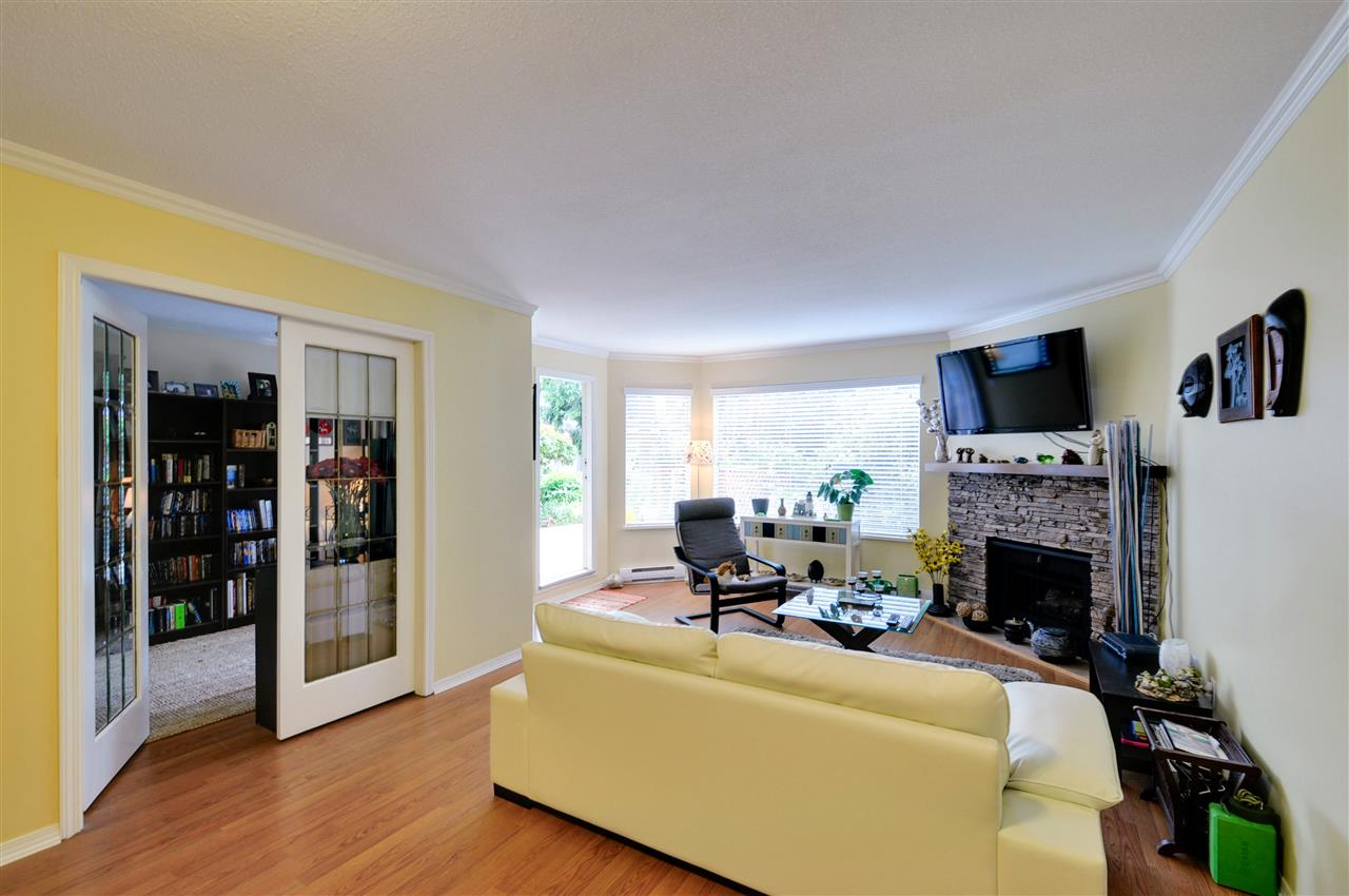 "Photo 8: 203 1225 MERKLIN Street: White Rock Condo for sale in ""Englesea II"" (South Surrey White Rock)  : MLS(r) # R2082075"