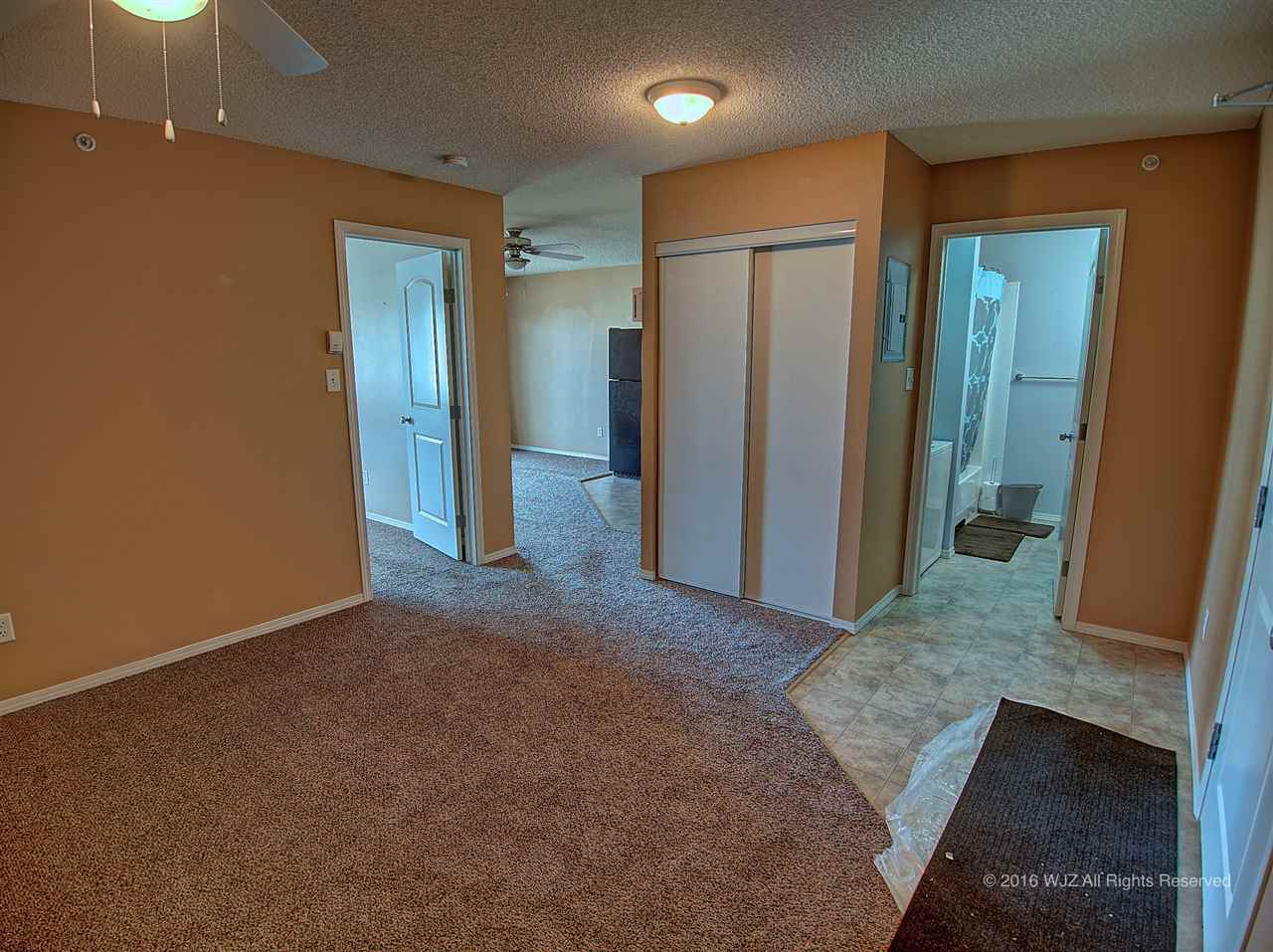 Photo 2: 423 70 woodsmere Close: Fort Saskatchewan Condo for sale : MLS(r) # E4031999