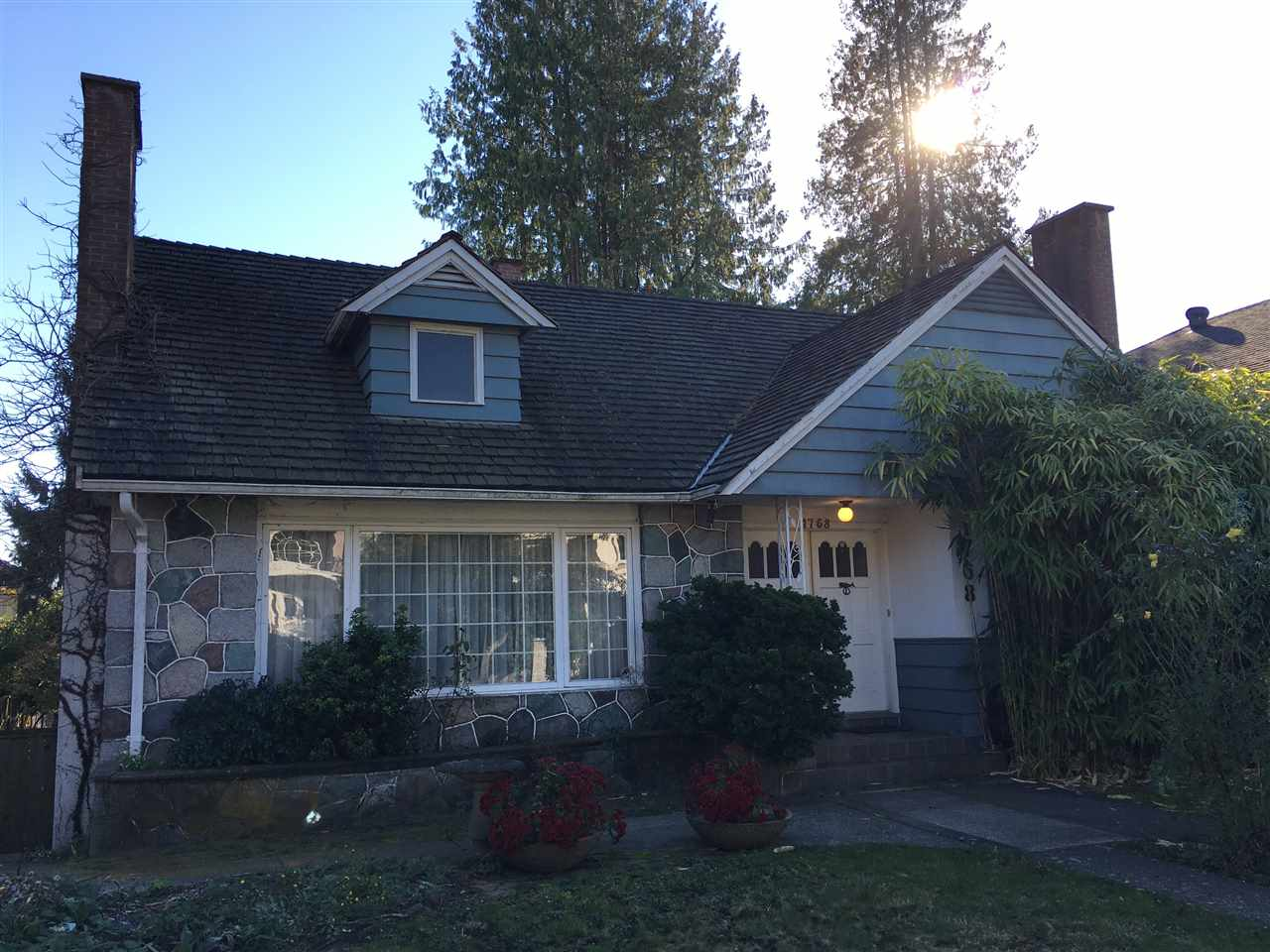 Photo 2: 1768 W 61ST Avenue in Vancouver: South Granville House for sale (Vancouver West)  : MLS® # R2120423