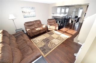 Main Photo: 828 37 Avenue in Edmonton: Zone 30 House for sale : MLS(r) # E4051284