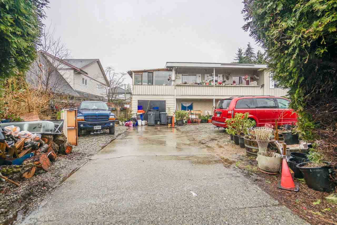 Photo 3: 780 COMO LAKE Avenue in Coquitlam: Coquitlam West House for sale : MLS® # R2141806