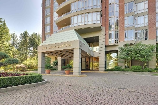 "Main Photo: 801 6888 STATION HILL Drive in Burnaby: South Slope Condo for sale in ""SAVOY CARLTON"" (Burnaby South)  : MLS(r) # R2150000"