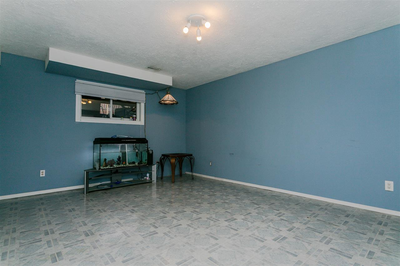 "ATTENTION ALL MALES - Perfect Man cave, theatre room, band practice room...   17'11"" x 13'9"" awaiting all your decorating ideas....maybe limited to this room only:)"