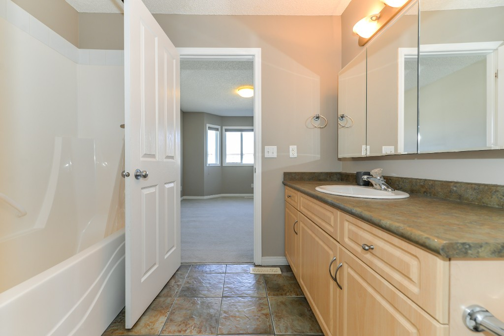 Photo 36: 26 171 Brintnell Boulevard Edmonton 2 Bed Townhouse For Sale E4064543