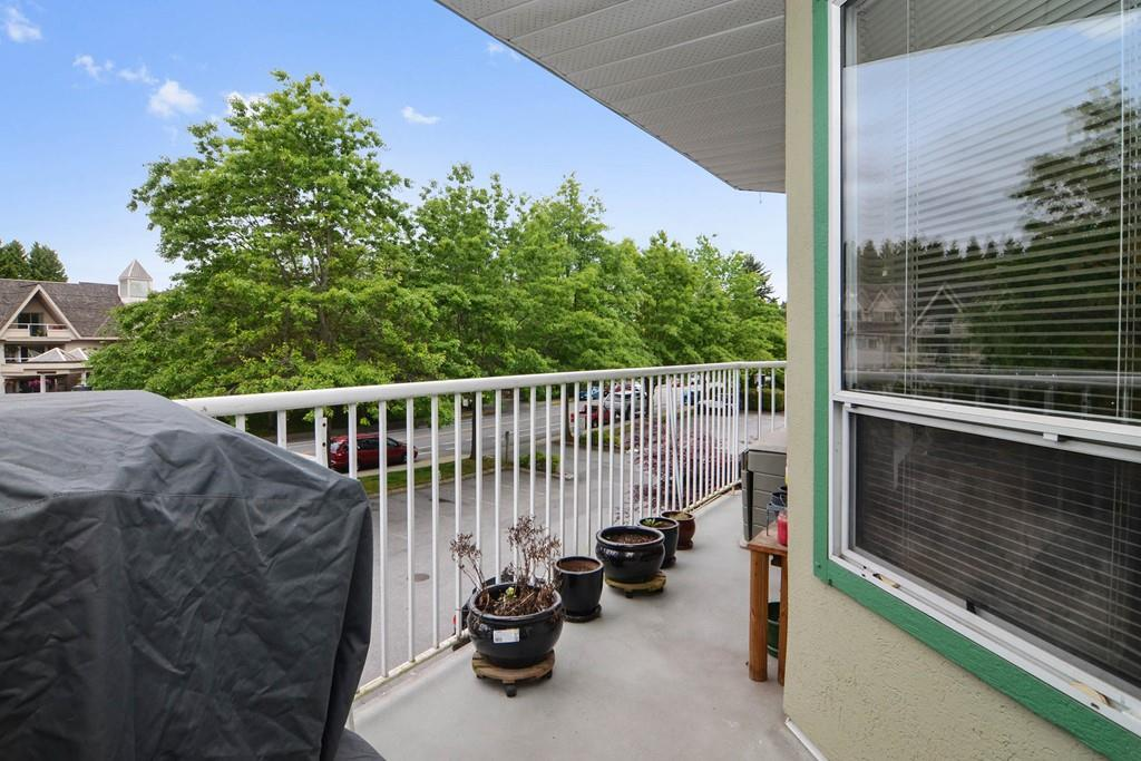 "Photo 12: 216 19236 FORD Road in Pitt Meadows: Central Meadows Condo for sale in ""EMERALD PARK"" : MLS(r) # R2177707"