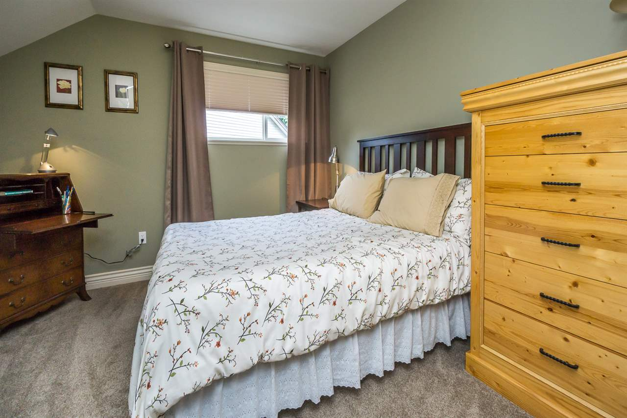 "Photo 13: 21013 85A Avenue in Langley: Walnut Grove House for sale in ""Manor Park"" : MLS® # R2179861"