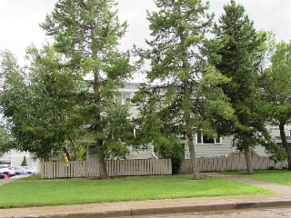 Main Photo: 14C CASTLE Terrace in Edmonton: Zone 27 Townhouse for sale : MLS® # E4071708