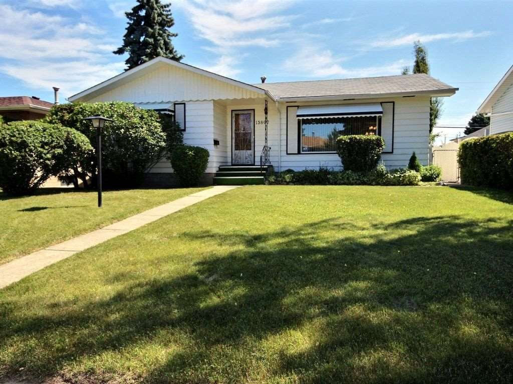 Main Photo:  in Edmonton: Zone 02 House for sale : MLS(r) # E4072577