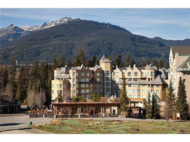 "Main Photo: 211 4557 BLACKCOMB Way in Whistler: Benchlands Condo for sale in ""Le Chamois"" : MLS(r) # R2190221"