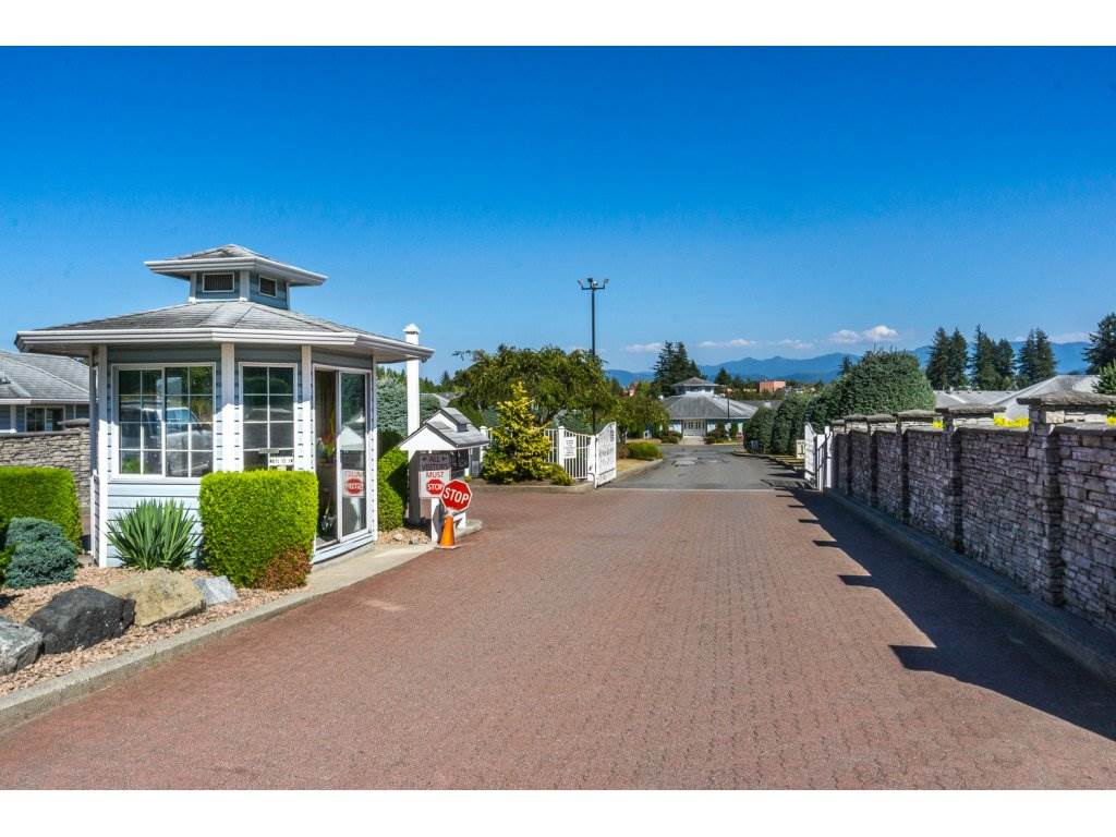 "Main Photo: 89 1450 MCCALLUM Road in Abbotsford: Poplar Townhouse for sale in ""Crown Point"" : MLS®# R2199086"