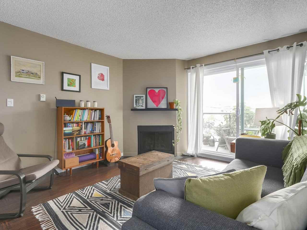Main Photo: 202 111 W 10TH Avenue in Vancouver: Mount Pleasant VW Condo for sale (Vancouver West)  : MLS® # R2208429
