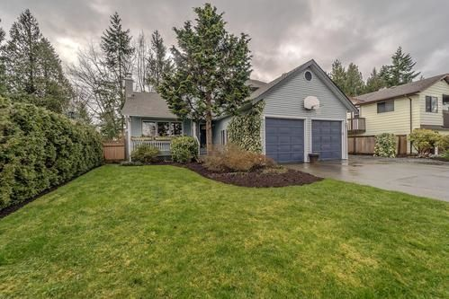 Main Photo: 15684 97A Avenue in Surrey: Guildford House for sale (North Surrey)  : MLS® # R2238930