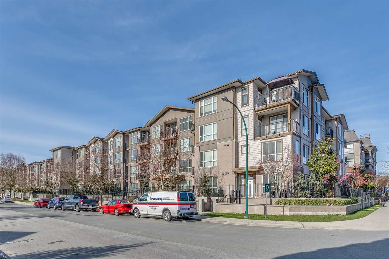 "Main Photo: 309 2343 ATKINS Avenue in Port Coquitlam: Central Pt Coquitlam Condo for sale in ""THE PEARL"" : MLS®# R2241783"